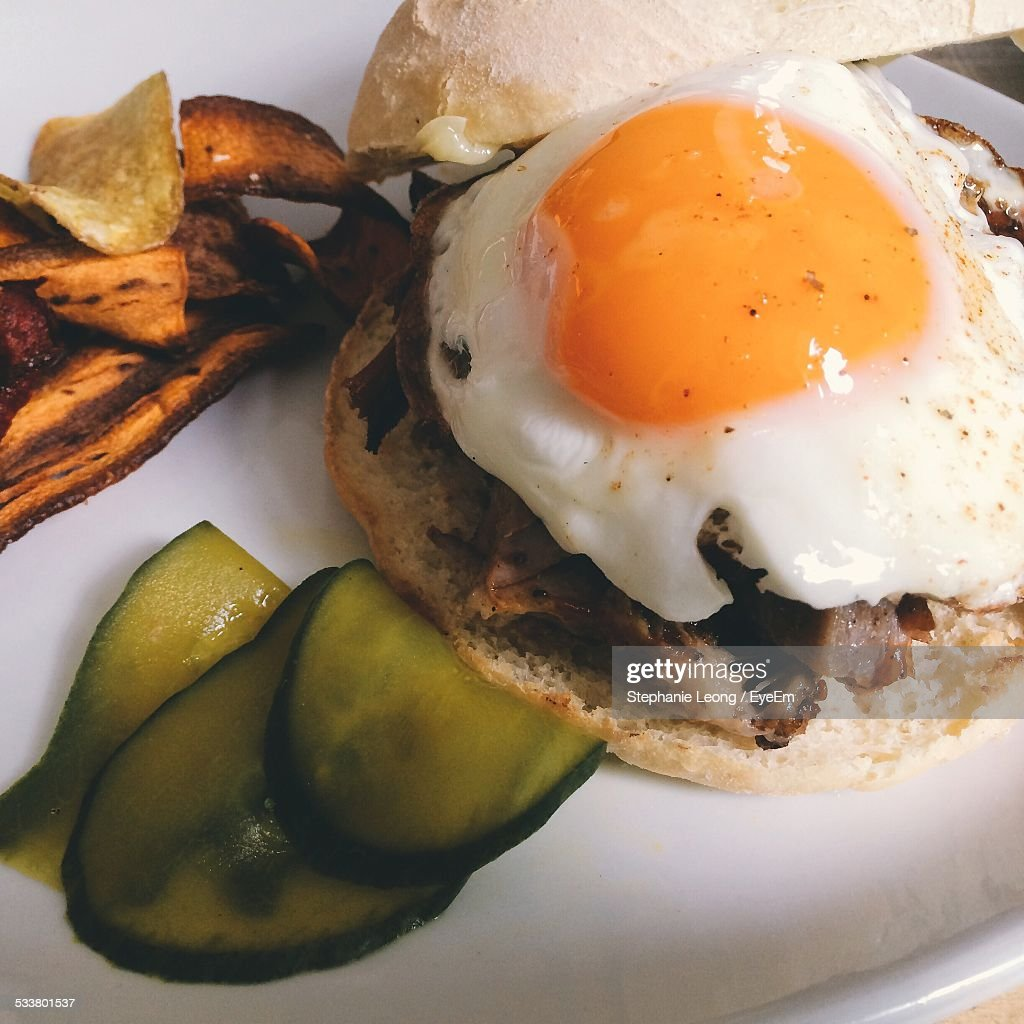 Croque Madame Sandwich Serving In Plate : Foto stock