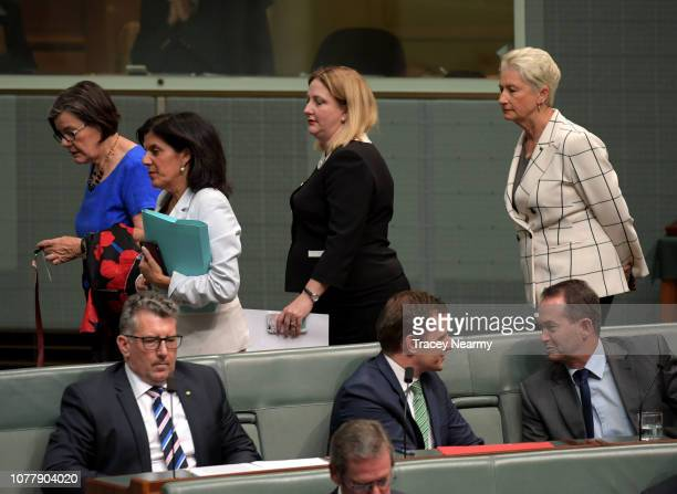 Cross benchers Member for Indi Cathy McGowan Member for Chisholm Julia Banks the Member for Mayo Rebekha Sharkie the Member for Wentworth Kerryn...