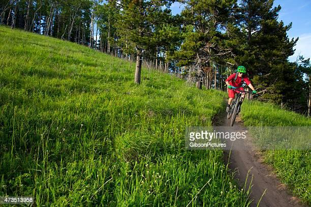 cross country ciclismo de montaña - cross country cycling fotografías e imágenes de stock