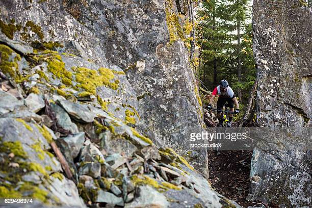 cross country mountain biking - cross country cycling stock pictures, royalty-free photos & images