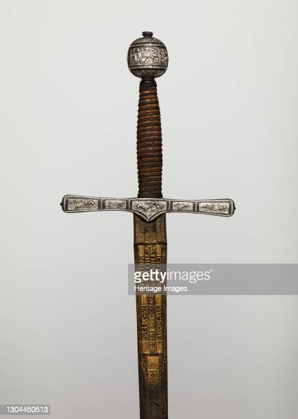 Cross Hilt Sword, hilt, British, London; blade, German, Solingen, 1600-1625. The most fashionable, worn by noblemen in England at the time of King...