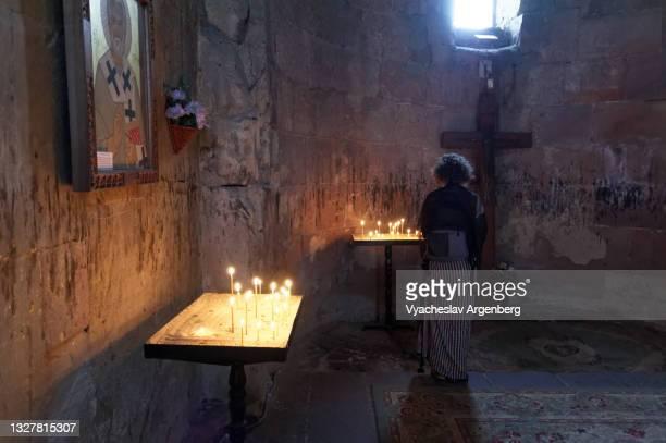 cross in jvari church, mtskheta - argenberg stock pictures, royalty-free photos & images