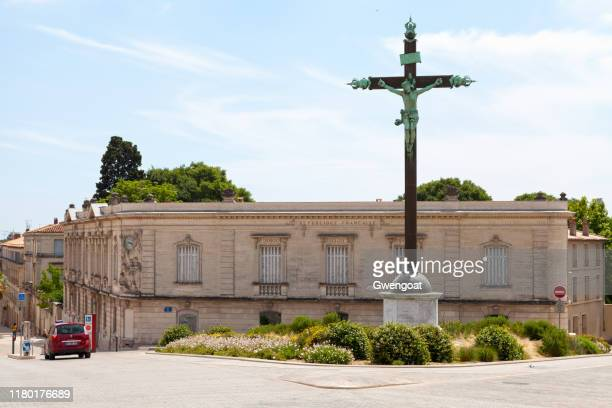 cross of peyrou in montpellier - herault stock pictures, royalty-free photos & images