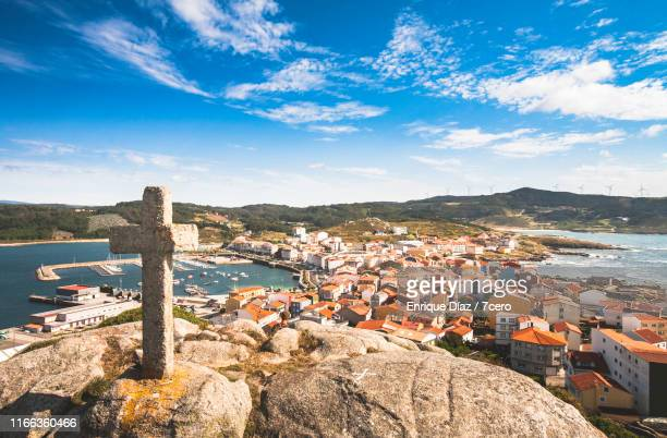 cross over muxia, galicia - comunidad autónoma de galicia fotografías e imágenes de stock