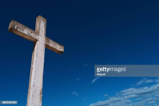 a cross - christendom stockfoto's en -beelden