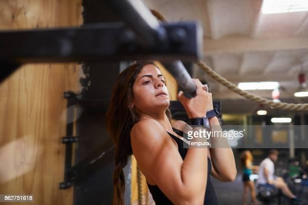 kruis opleiding gymnastiek, oefenen en focus concepten. - barre stockfoto's en -beelden