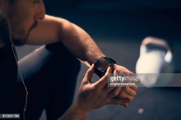cross training - smart watch stock pictures, royalty-free photos & images