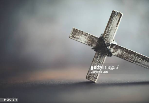 cross with copy space - catholicism stock pictures, royalty-free photos & images