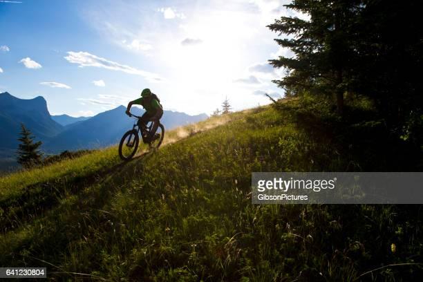 Cross-Country-Mountain-Bike-Fahrer
