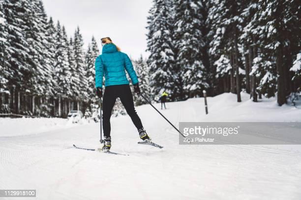 Langlauf-Skifahrer - Wintersport