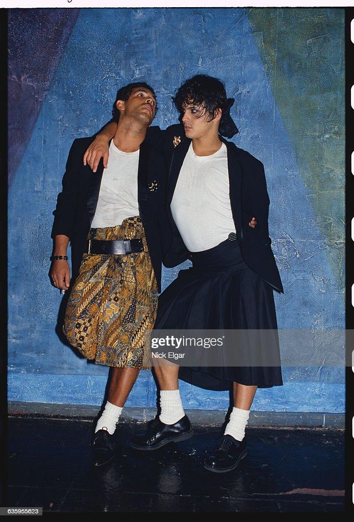 Cross-dressers at New York City Nightclub : News Photo