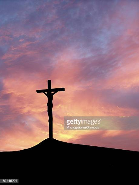 crossed jesus - images of jesus on the cross at calvary stock pictures, royalty-free photos & images