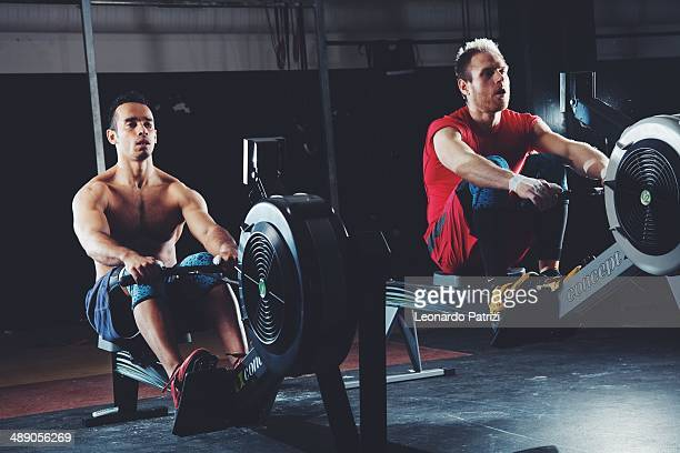 Crossfit training low rowing