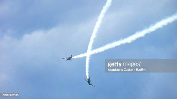 Crossing Airplanes At Airshow