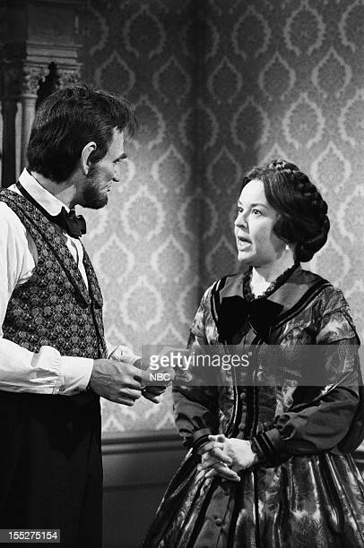 LINCOLN Crossing Fox River Episode 5 Pictured Hal Holbrook as Abraham Lincoln Sada Thompson as Mary Todd Lincoln