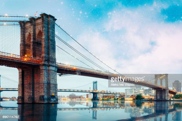 crossing the river - brooklyn bridge stock pictures, royalty-free photos & images