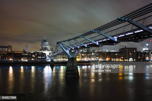 crossing the thames - st. paul minnesota stock pictures, royalty-free photos & images