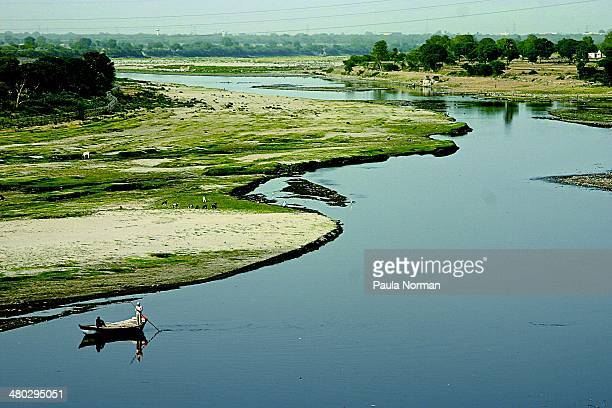crossing the yamuna river - river yamuna stock pictures, royalty-free photos & images