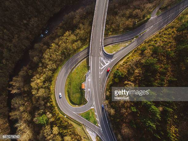 crossroad from above - crossroad stock pictures, royalty-free photos & images