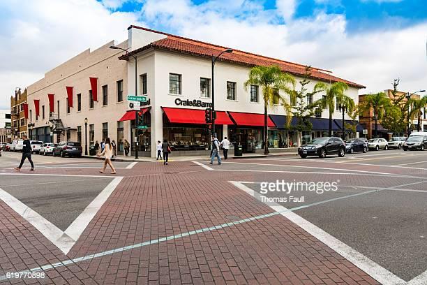 crosswalk in central pasadena, los angeles, california - pasadena - fotografias e filmes do acervo