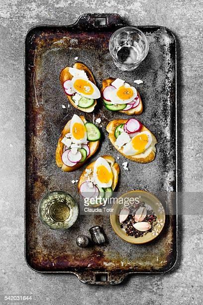 Crostini with eggs