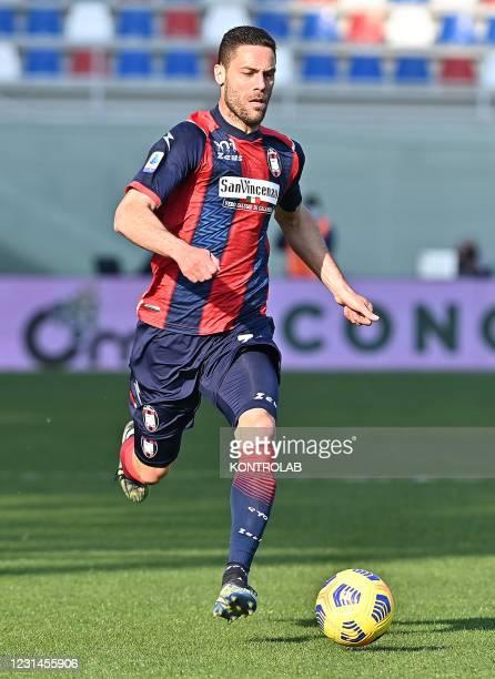 Crotone's italian midfielder Andrea Rispoli controls the ball during the Italian Serie A football match FC Crotone vs Cagliari Calcio. Cagliari won...
