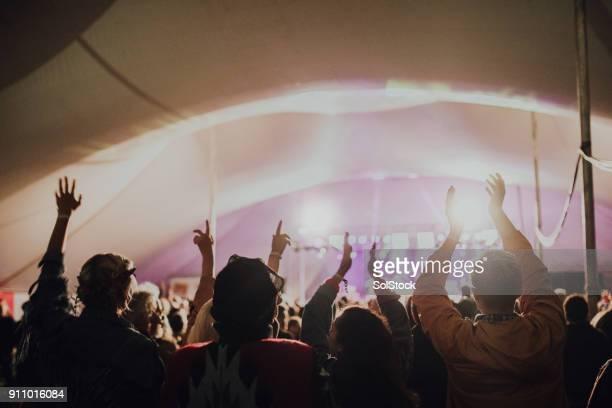 Masse auf einem Musikfestival