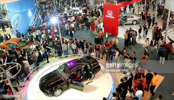Crowd at Honda stall during 8th Auto Expo at Pragati Maidan, on January 14, 2006 in New Delhi, India.