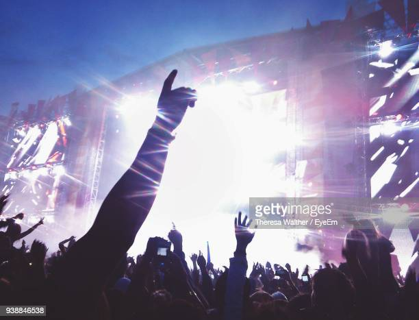 crowd at music concert - entertainment event stock pictures, royalty-free photos & images