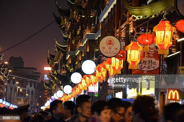 Crowd at Yuyuan gardens bazaar, Chinese new year 2017, Shanghai