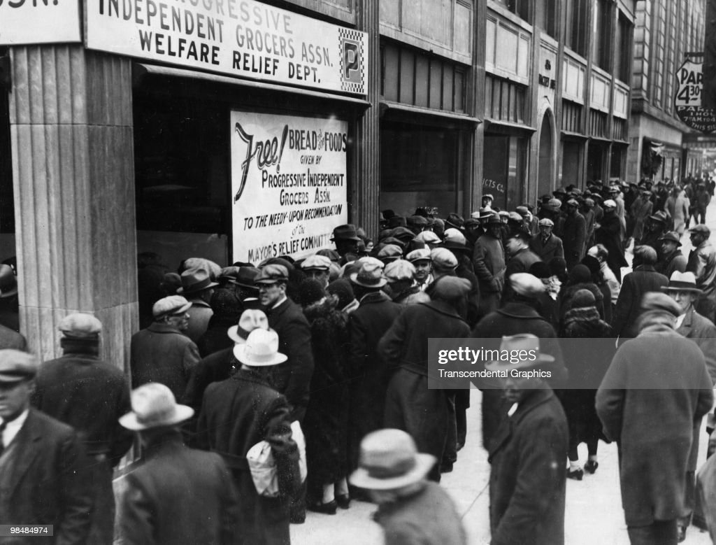 Bread Line During The Great Depression : News Photo