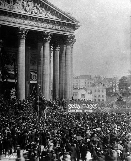 Crowd in front of the Pantheon during the funeral of French writer Victor Hugo Paris 1st June 1885