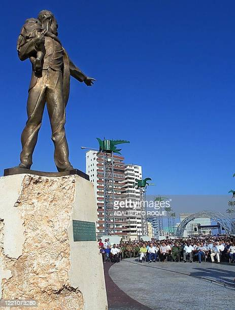 Crowd of Cubans attends a dedication ceremony for a statue of Cuban national hero Jose Marti 19 May 2000 in Havana. Cuban President Fidel Castro...
