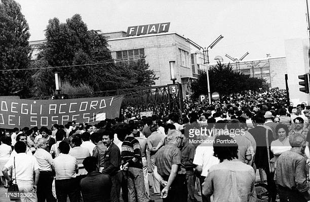 A crowd of Italian Automobile Factory of Turin workers protesting because they were made redundant without respecting the foregoing agreements Turin...