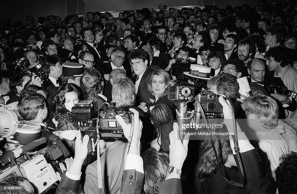Actress Catherine Deneuve in Crowd : Photo d'actualité