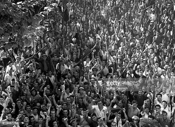 A crowd of soldiers from the Iberian Anarchist Federation in Barcelona during the Spanish Civil War | Location Barcelona Spain