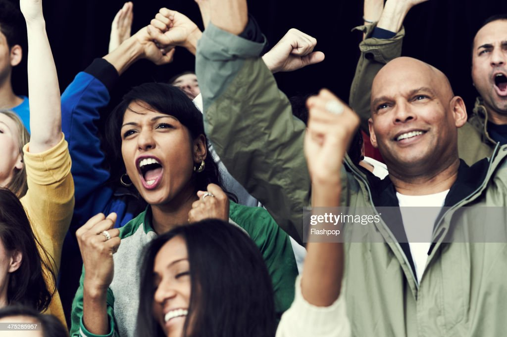 the crumbling behaviour of sports fans In fact, the psychology of sports that makes fans do crazy things in the name of their team can be harnessed to turn people into avid users innovative companies are minting habitual customers by understanding the mechanics of human behavior.