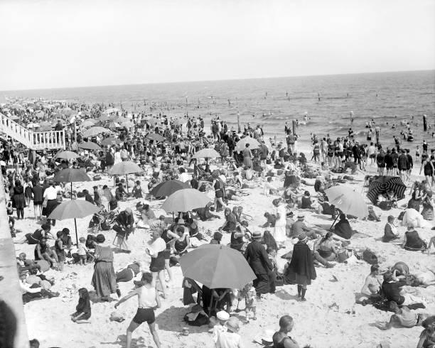 Crowd on beach in Long Beach, N.Y.
