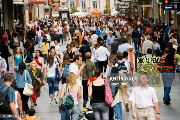 Crowd on Calle de Preciados, Madrid, Comunidad de Madrid, Spain, Europe