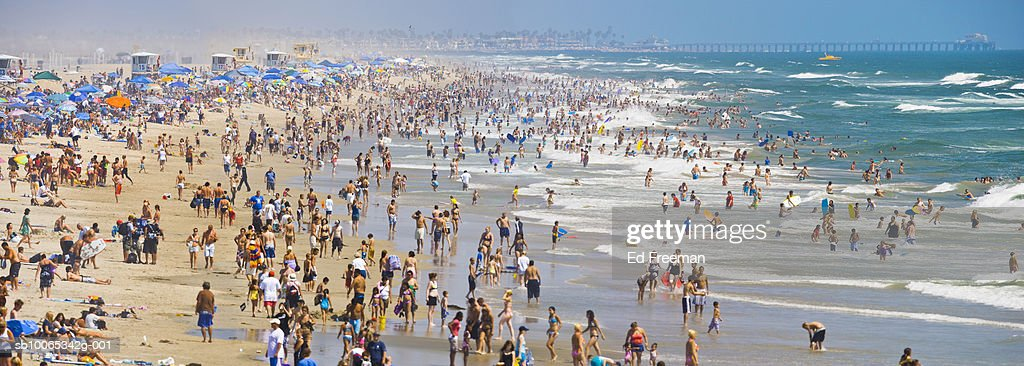 Crowd on Huntington beach : Foto stock