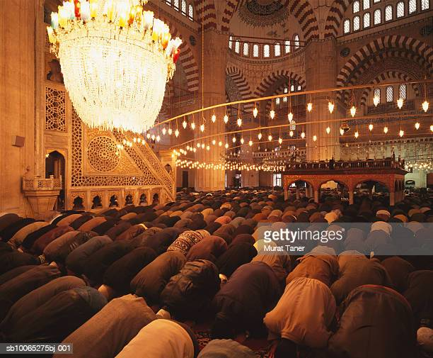 crowd praying inside selimiye mosque - selimiye mosque stock pictures, royalty-free photos & images