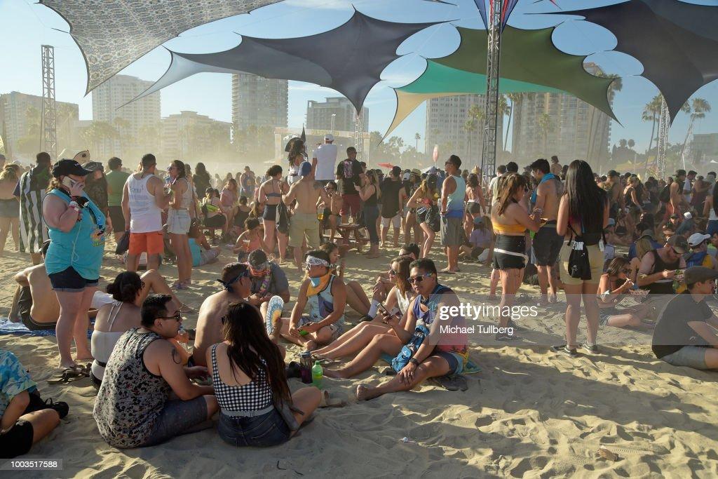Kaskade Hosts Sun Soaked Outdoor Beach Party - Long Beach, CA : News Photo