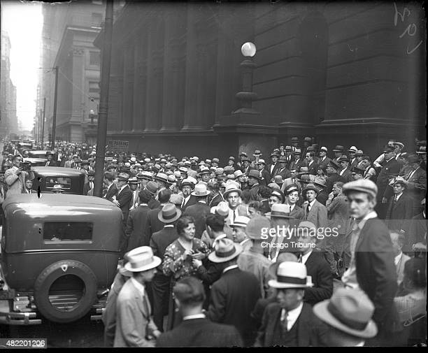 A crowd waits on Clark Street in Chicago to see Al Capone during his trial on Oct 16 1931