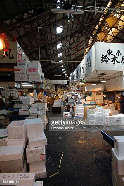 混雑の魚市場