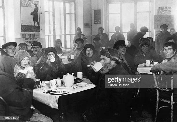 A crowded governmentmaintained tea room in Kharkov for the use of nearby villagers coming into the town