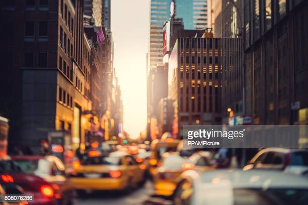 drukke manhattan - stad new york stockfoto's en -beelden