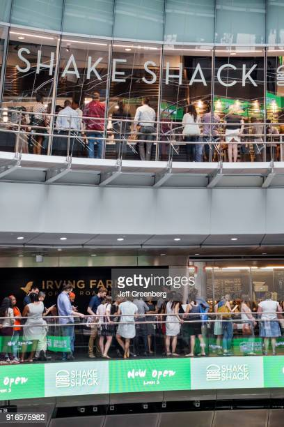Crowded Shake Shack and Irving Farm in the Fulton Center.