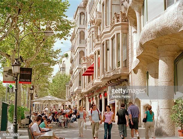 Crowded Sidewalk Along the Passeig de Gracia