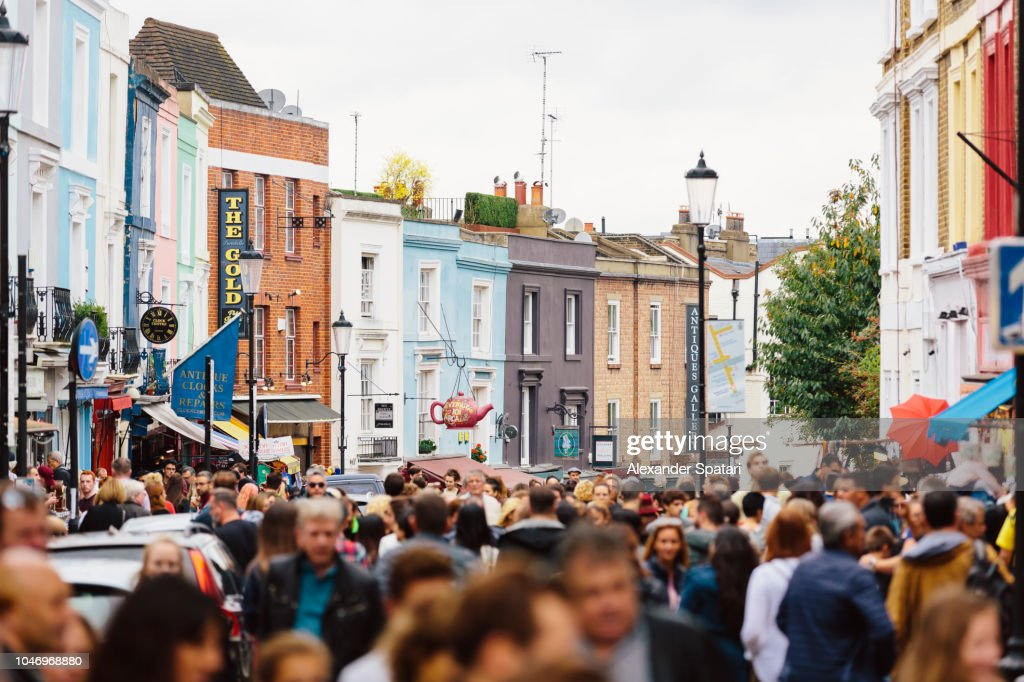 Crowded street at Portobello Road Market in Notting Hill, London, UK : ストックフォト