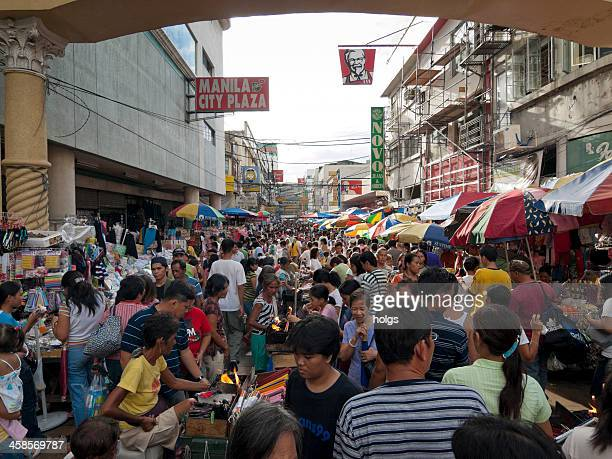 Crowded street market in Manlia, Philippine